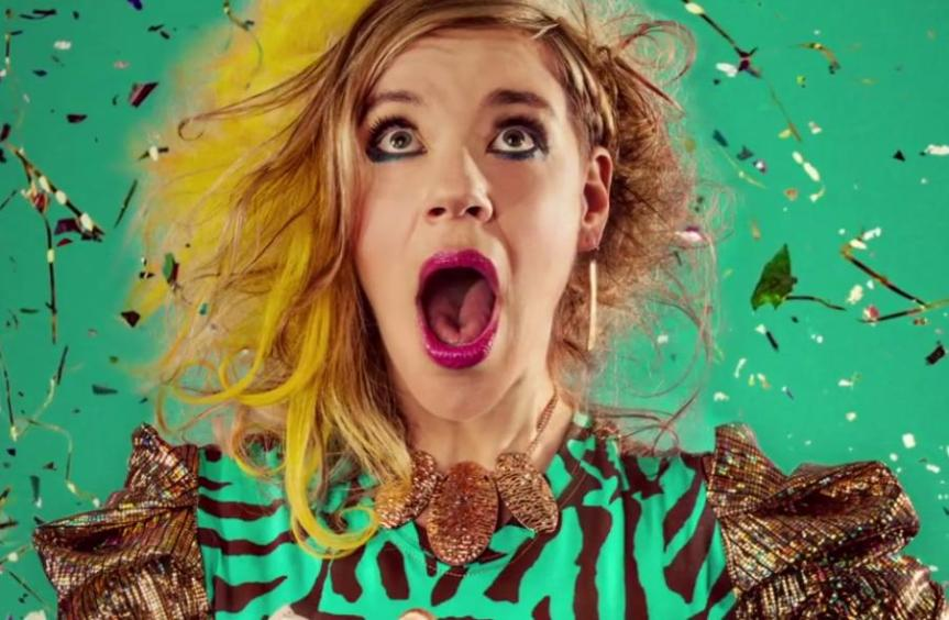"Video // tUnE-yArDs – ""Wait For A Minute"""